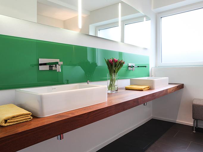 Badezimmer in Teak und lackiertem Glas - Referenzen - Andy Foit ...